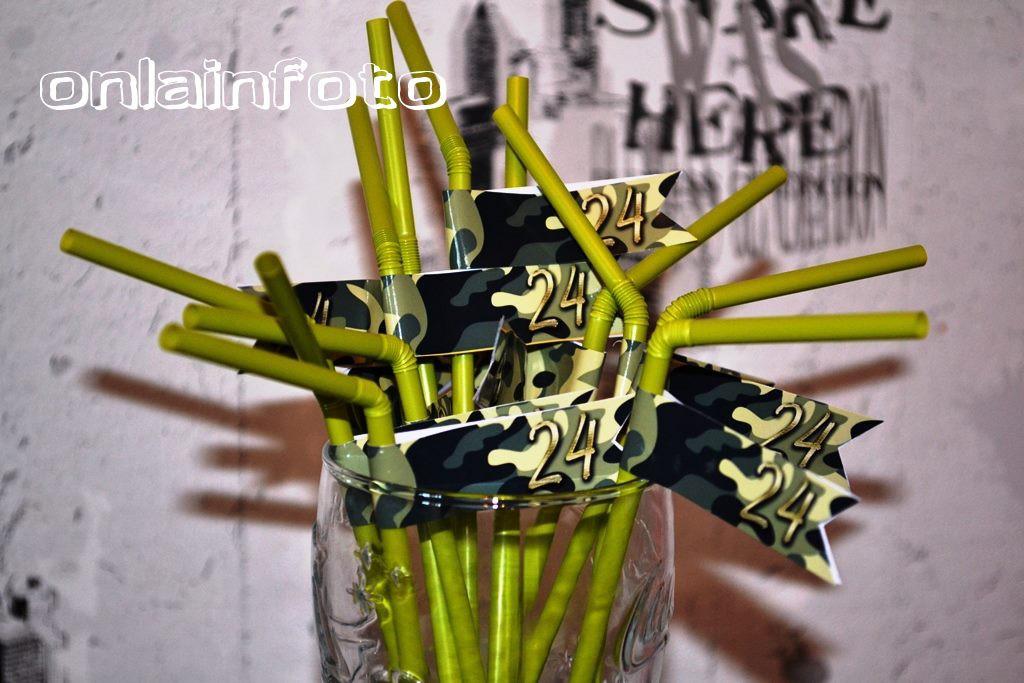камуфляж наклейки - флажки на трубочки